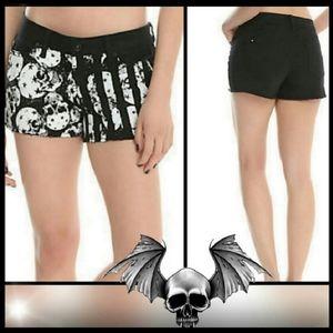 Blackheart Skull Americana Shorts Black Size: 5